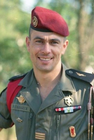 .Le Capitaine ZARAGOZA est breveté  Instructeur Commando et Chuteur Operationnel